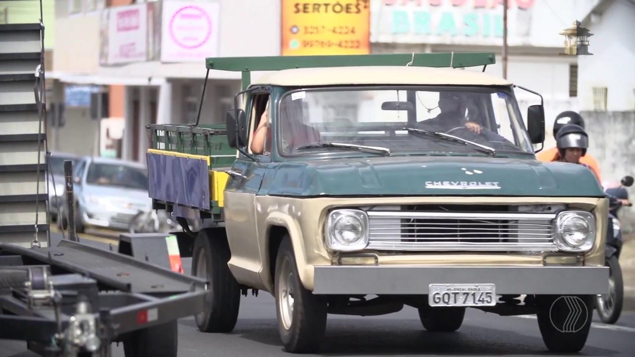 O morador Odair conta a história da Avenida Brasil em Uberlândia