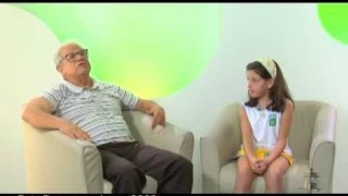 Crianças entrevistam historiador Antônio Pereira